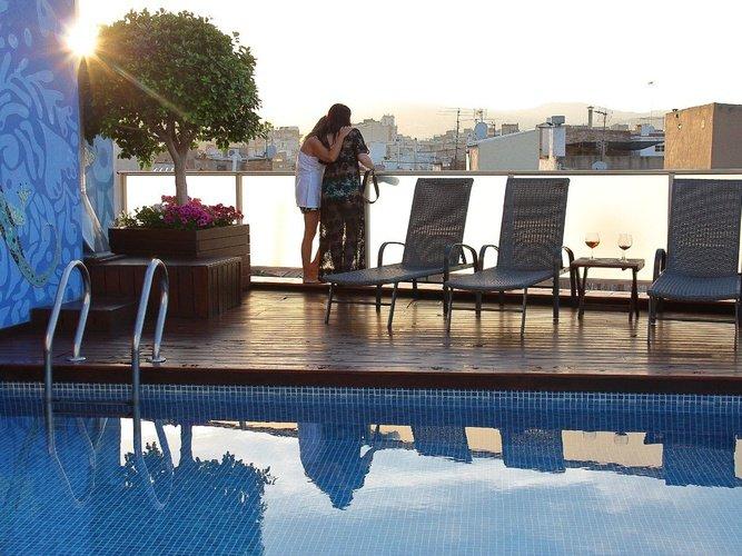 Piscina, posta de sol Hotel Ciutat Barcelona Barcelona
