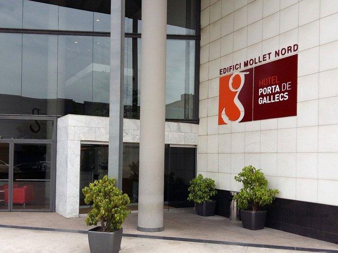 Entrada a l'edifici hotel porta de gallecs mollet del vallés
